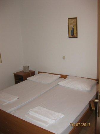 Apartments Prince Hrvoje: Room
