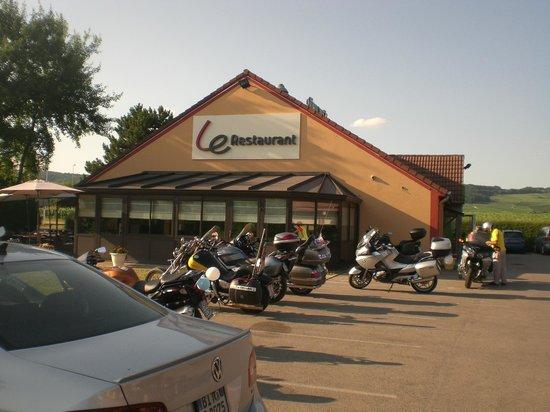 Campanile Epernay - Dizy: il ristorante e le nostre moto