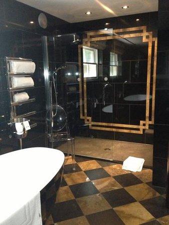 Crab Manor Hotel: bellagio shower