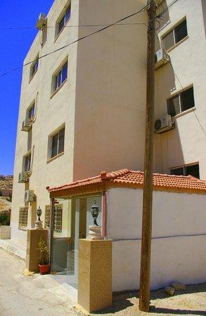 Petra Home Hotel