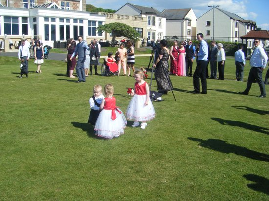 Seamill Hydro: guests on the lawn