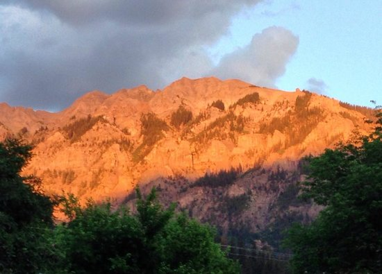 Comfort Inn: Alpenglow at sunset
