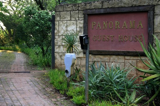 ENTRANCE TO PANORAMA GUEST FARM