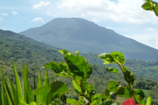 B&B Hotel Sueño Celeste: Volcano Miravalles - View from Sueño Celeste