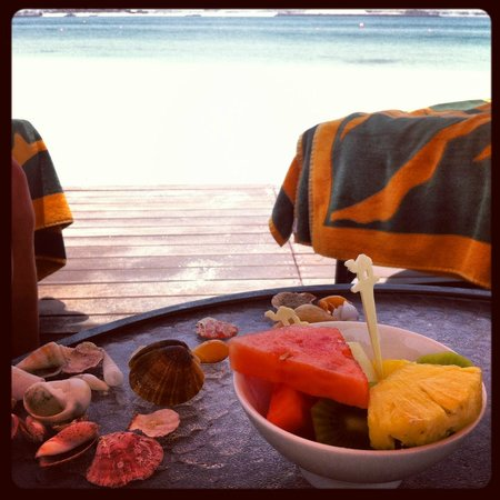 Residence & Spa at One&Only Royal Mirage Dubai : Lovely fresh fruit, served daily at pool and beach