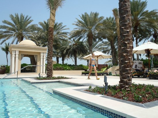 Residence & Spa at One&Only Royal Mirage Dubai: Sparkling cool pool