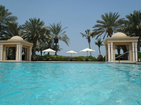 Residence & Spa at One&Only Royal Mirage Dubai: Superbly refurbished pool