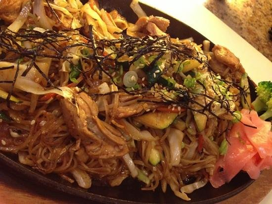Arigato Sushi: chicken yakisoba~ One of our must try item:)
