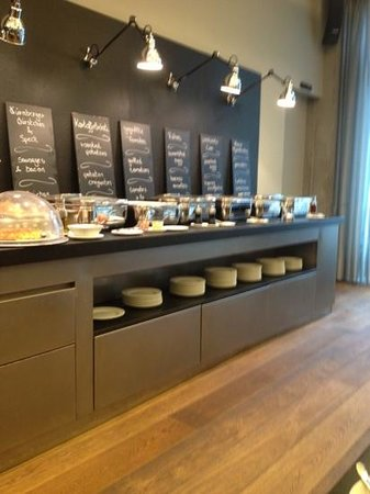 Barceló Hamburg: sala de desayuno