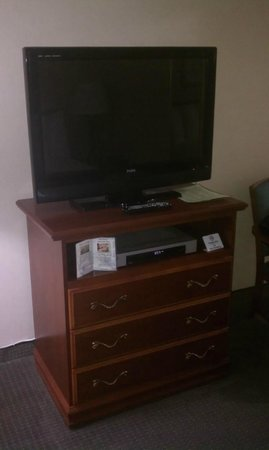 Travelodge Santa Monica: Nice TV with ample channel selection - Very Good