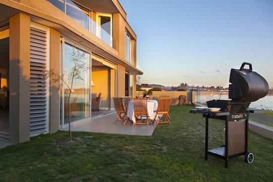 The Reef Resort - Heritage Collection: Ground Floor Apartment - BBQ/Outdoor Area