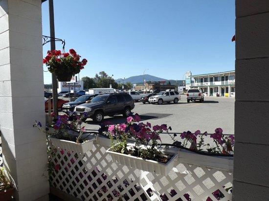 Kootenay Country Inn: From the lobby window