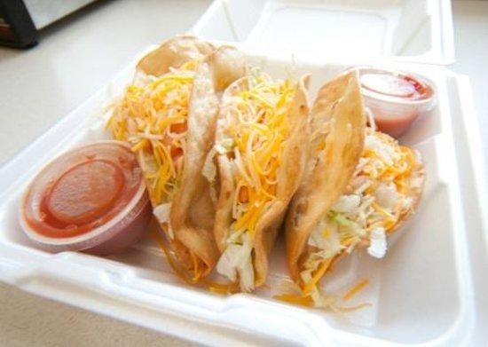 Johnny Salsa : Huge deep-fried tacos from Johhny Salsa!