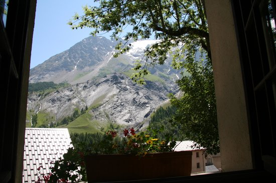 Hotel Auberge Edelweiss : View from hotel room