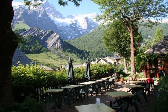 Hotel Auberge Edelweiss : View from hotel courtyard