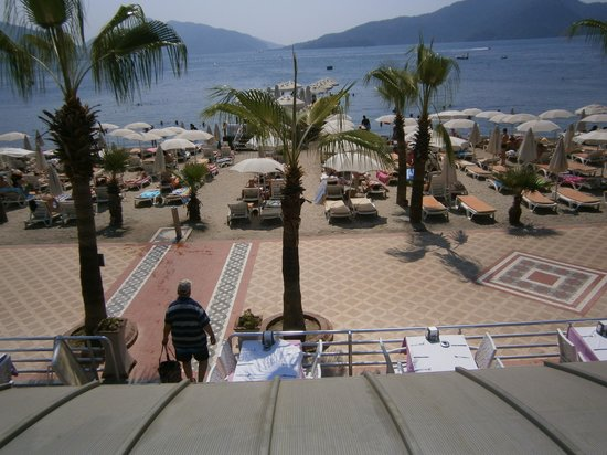 Hotel Emre: distance to the beach
