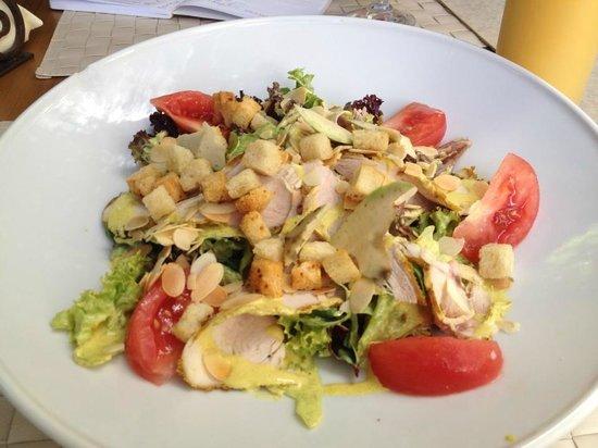 Trzy Papryczki: Chicken & avocado salad