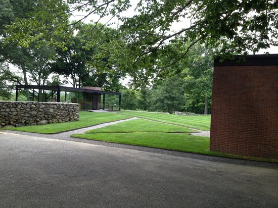 The Philip Johnson Glass House: Glass House and Guest House