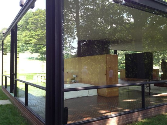 The Philip Johnson Glass House: Glass House Interior