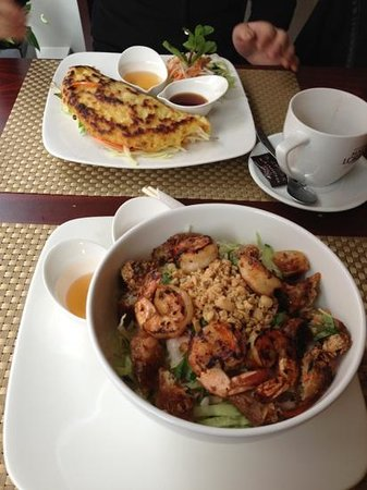 Cafe Le Chi: Vietnamese food.