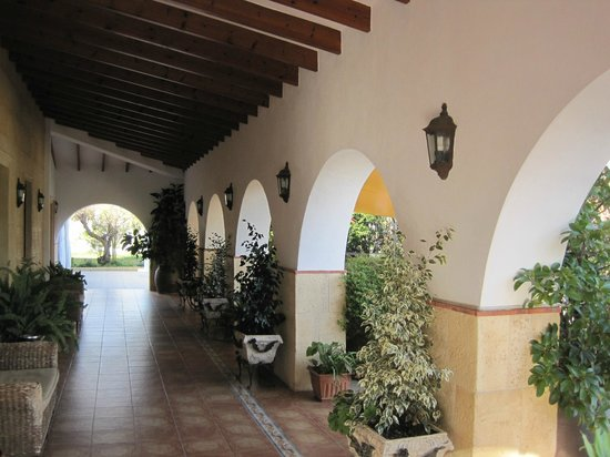 Hotel Tossal d'Altea: Galería de acceso
