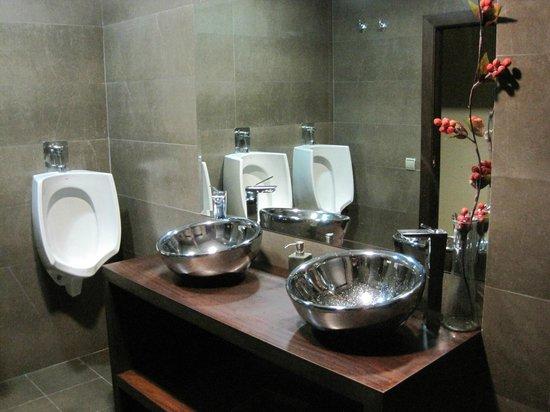 Hotel Tossal d'Altea: Baño junto comedor