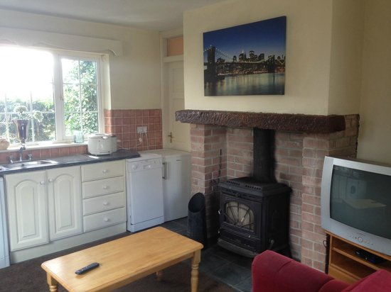 Rockfield House: One Bed Apartment - Sleeps 4