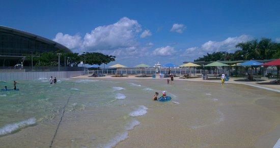 Wave Lagoon: main wave pool