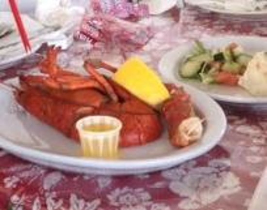 Baddeck Lobster Supper: Lobster!