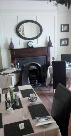 Bodnant Guest House: Breakfast room