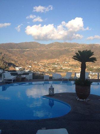 Levantes - Ios Boutique Hotel : Pain pool area