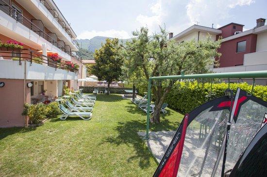 Hotel Garni Villa Magnolia: Giardino - Garten - Garden