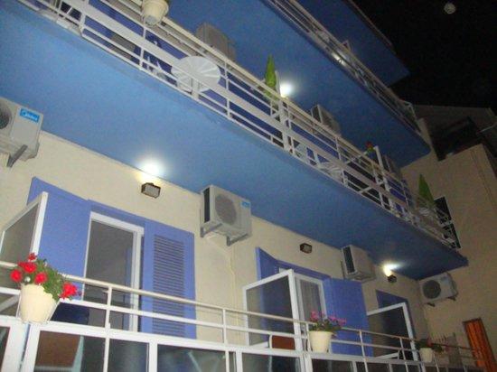 Florida Hotel : Facciata sul vicoletto