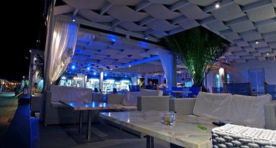Soul by Splash: Splash Bar Restaurant Santorini by night