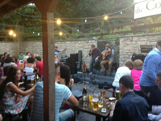 The Cottage Bar: Beer Garden Live Music