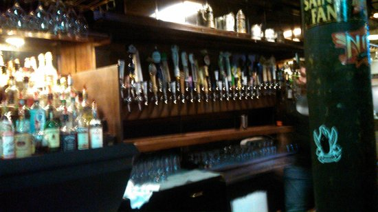 The Avenue Pub: bar