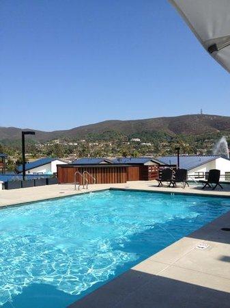 Lakehouse Hotel & Resort: just serene