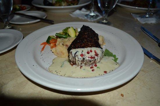 Joseph's by the Sea Restaurant : filet mignon au poivre