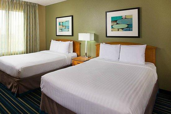 Residence Inn Anaheim Resort Area/Garden Grove: Queen beds two bedroom suite