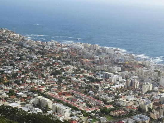 Another awesome shot of Seapoint from the air with Fly Cape Town Paragliding.
