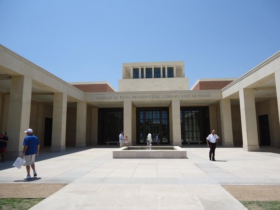 The George W. Bush Presidential Library and Museum: Front entrance