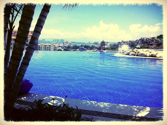 Selva Romantica: Infinity pool - View of PVR