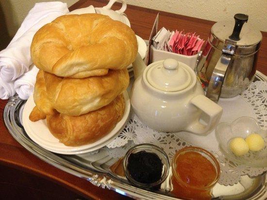 Andrew Jackson Hotel: Breakfast