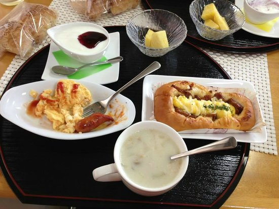 Arc Hotel Yamato: Delicious breakfast, only 500 Yen (about five dollars US)