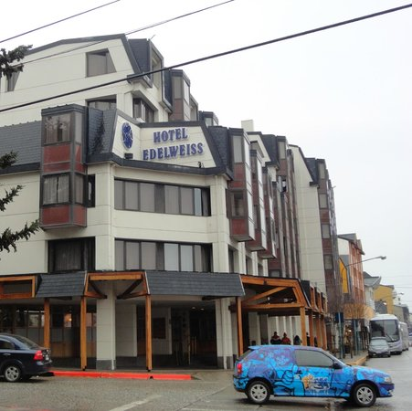 NH Bariloche Edelweiss: vista do hotel