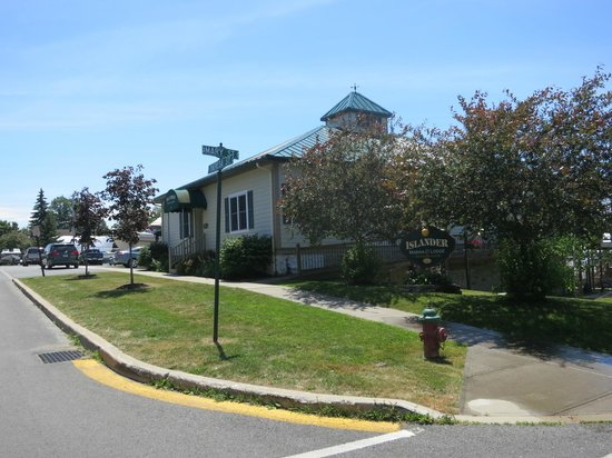 Islander Marina & Lodge: Islander Lodge