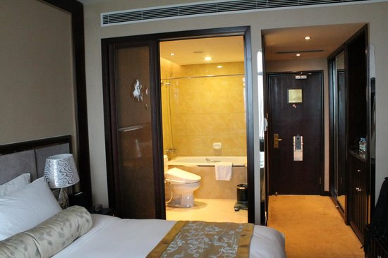Friendship Hotel Hangzhou: 浴室