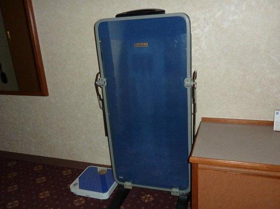 Hotel Paco Jr Kitami : ズボンプレッサーと体重計