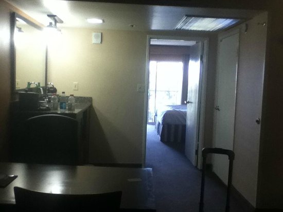 Embassy Suites by Hilton Milpitas Silicon Valley: Room 728