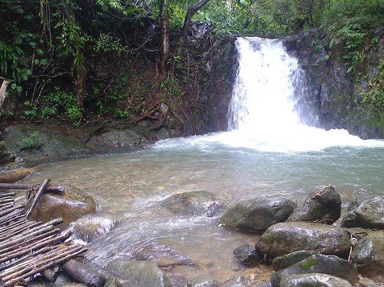 Kaeng Nyui Waterfalll: Kenlon Waterfall (5m waterfall)